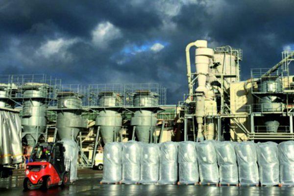 Baustofflogistik mit Containerumschlag nach China