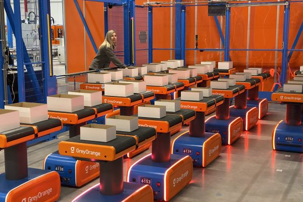 autonomer mobiler roboter fulfillmentlogistik